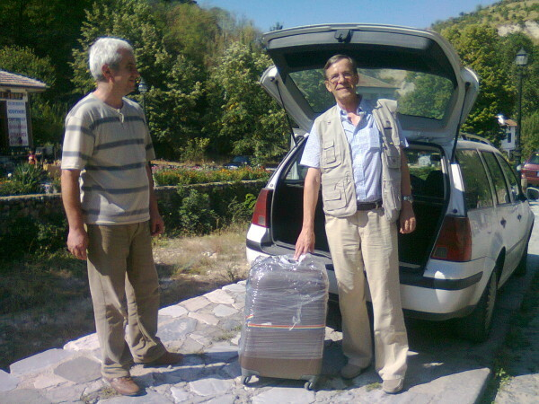 Jour-4---Philippe-recupere-sa-valise.jpg