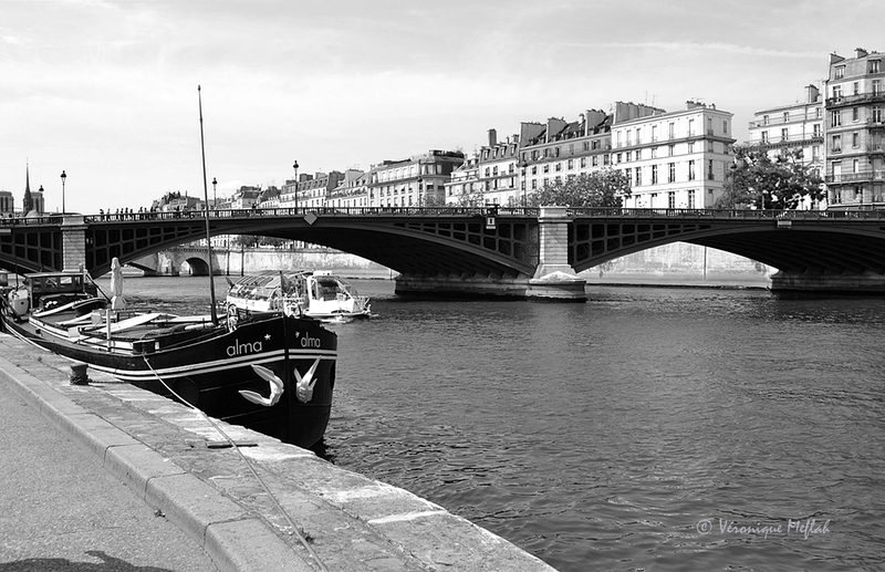 L'Île Saint-Louis : Pont de Sully