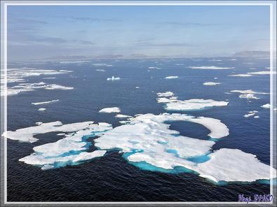Les vestiges de la banquise offrent un superbe spectacle tant en formes qu'en couleurs - Mer de Baffin