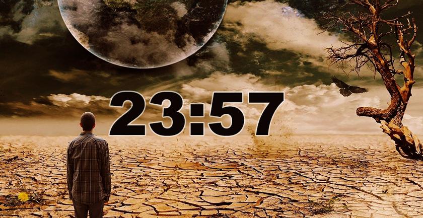 L'horloge de l'Apocalypse donne 23h57... Noam Chomsky désigne le coupable