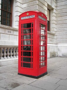 Image result for cabine telephonique londonienne