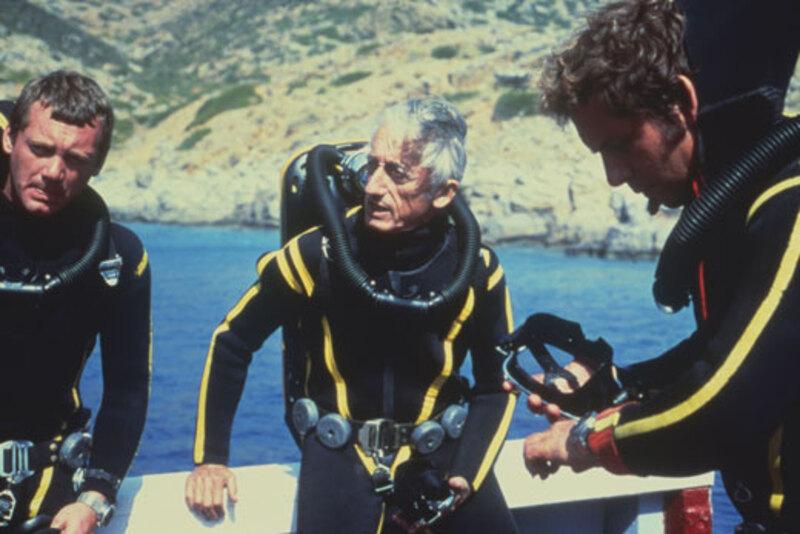 Le Commandant Cousteau TisoYAi69MO-tTImJkQARlpxOFs@800x534