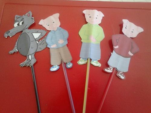 Marionnettes trois petits cochons