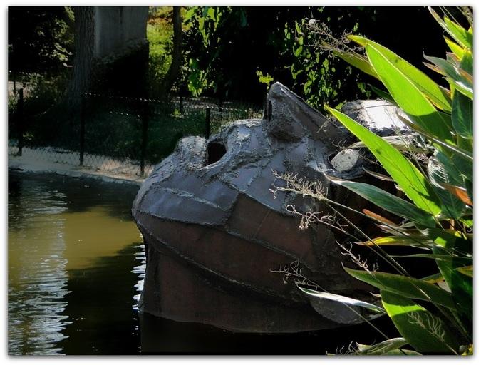 """Le """"noyé"""" une sculpture de Yannick Vey"""