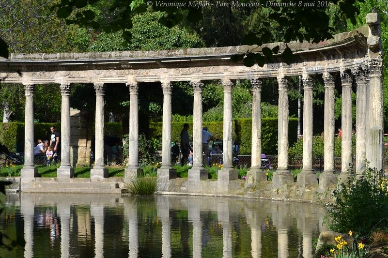 Parc Monceau : La Naumachie et la colonnade