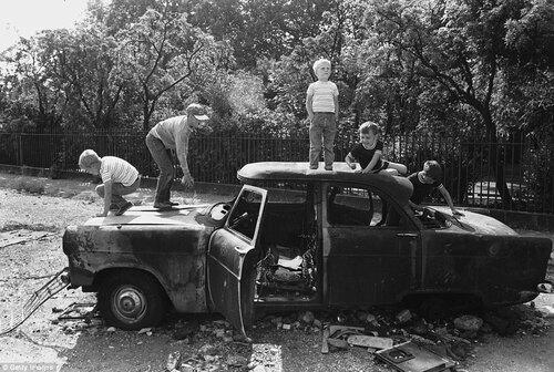 07 - Encore des enfants et des voitures