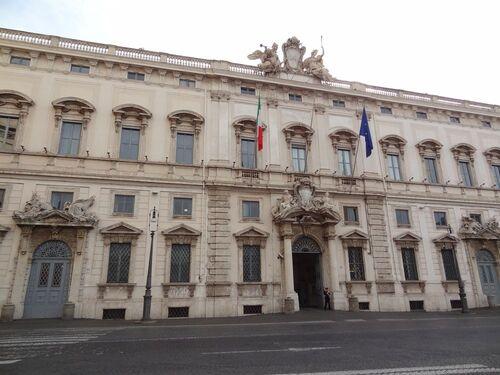 Les places et fontaines de Rome
