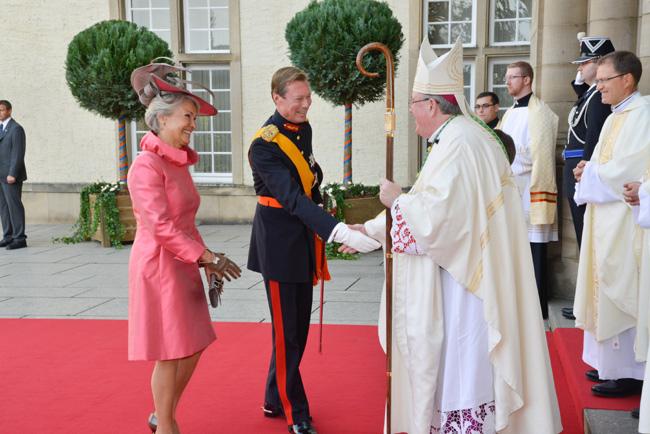La famille grand-ducale à l'église