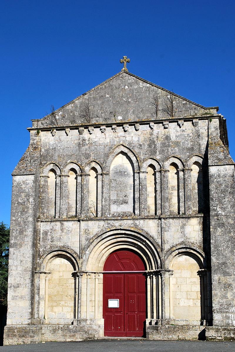 Nieul-le-Virouil église Saint-Séverin façade.JPG