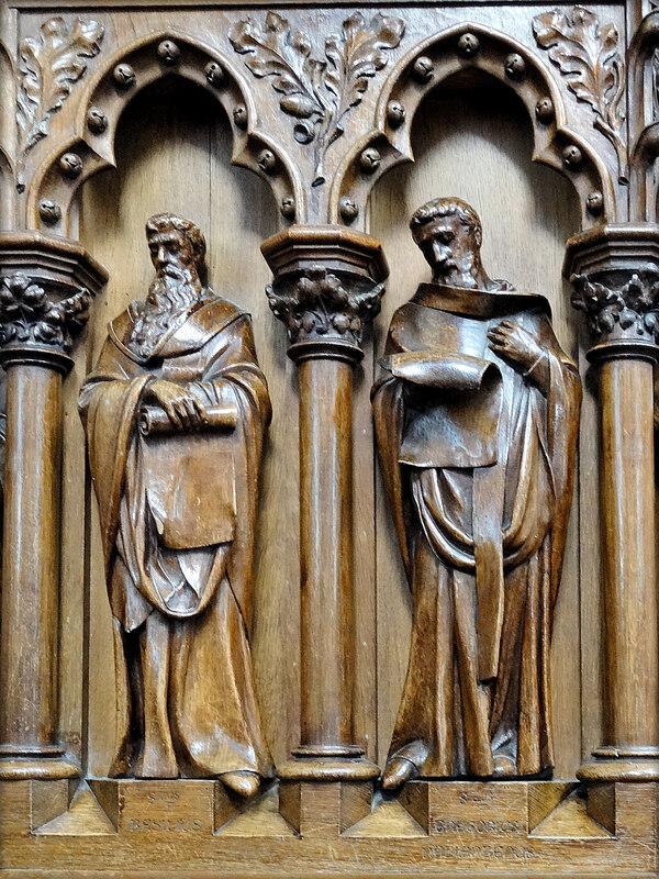 N-D de l'Assomption - Chaire et sculptures sur bois