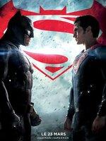 Craignant que Superman n'abuse de sa toute-puissance, le Chevalier noir décide de l'affronter : le monde a-t-il davantage besoin d'un super-héros aux pouvoirs sans limite ou d'un justicier à la force redoutable mais d'origine humaine ? Pendant ce temps-là, une terrible menace se profile à l'horizon…