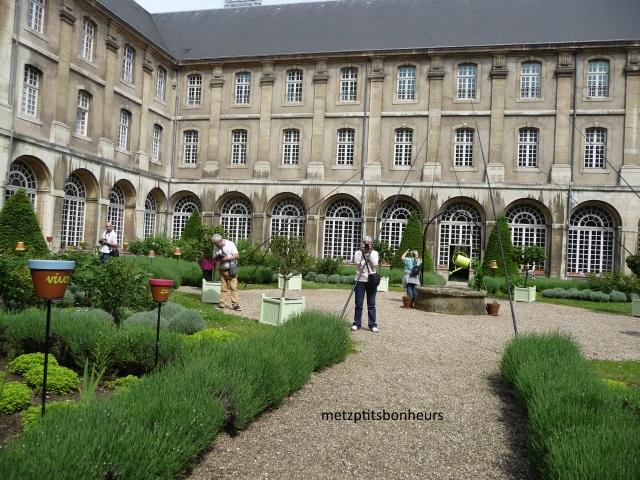 Pont à Mousson et son abbaye...