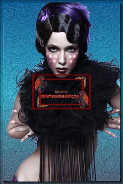 Femme 13