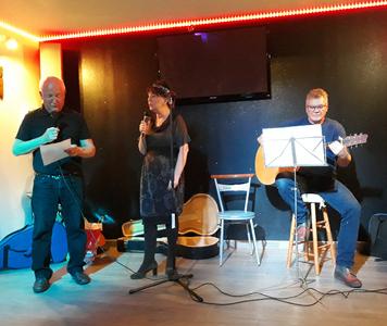Myriam, Jean Marie accompagné par Daniel ont chanté Lily de Pierre Perret