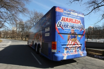 harlem+globetrotters+play+historic+game+ice+89lurft7qgll