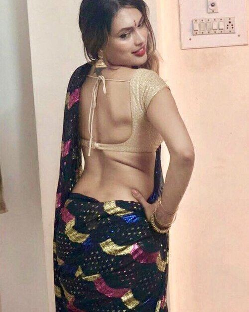 Choose the Top Girls from Escorts Service in Kolkata