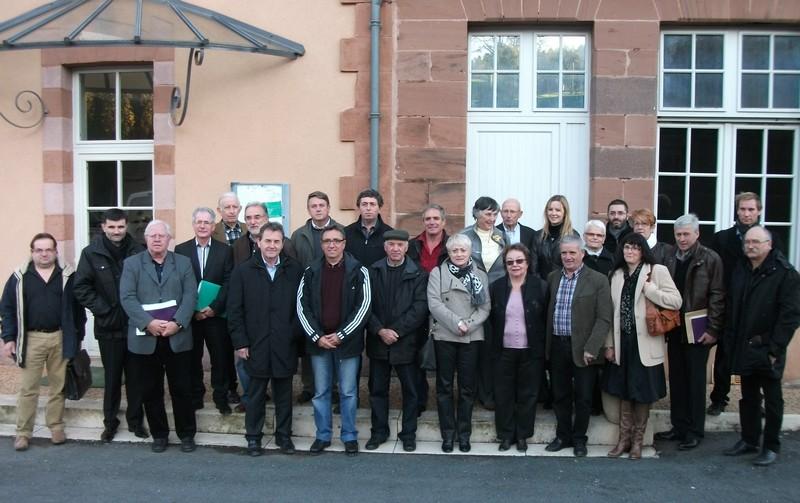 Les maires du canton de Terrasson réunis à Villac avec le conseiller général