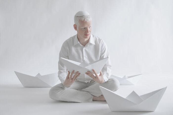 Une Photographe Saisit La Beauté Envoutante Des Albinos...