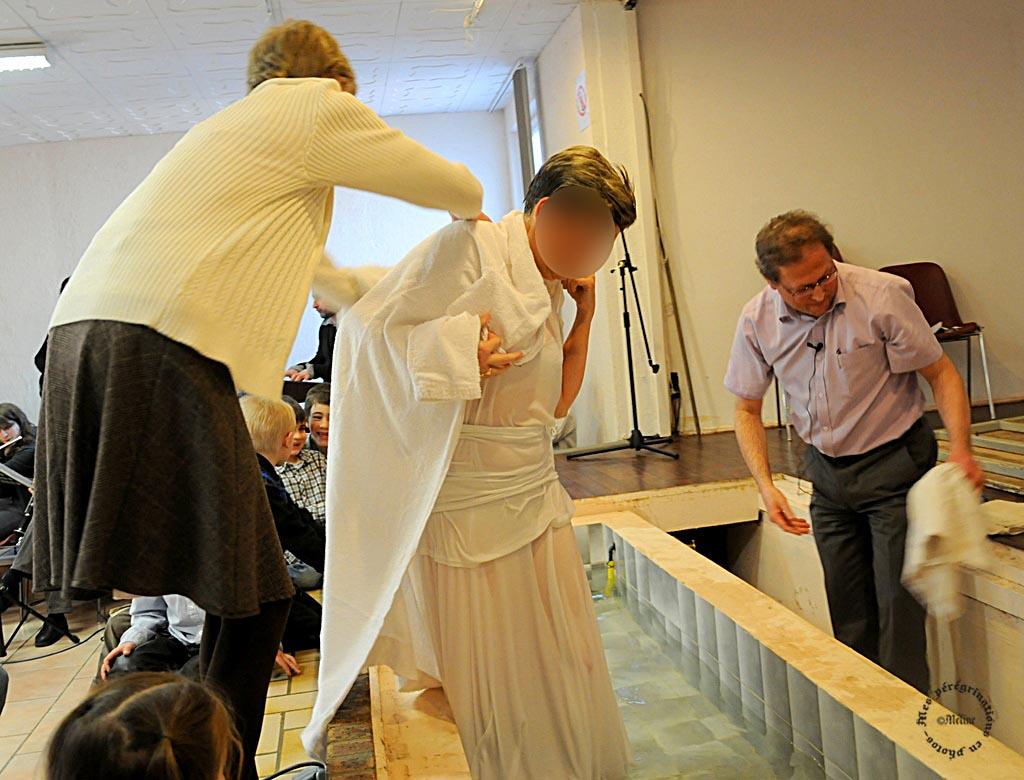 Ma fille Isabelle a pris le baptêmed'eau le 07 avril 2013