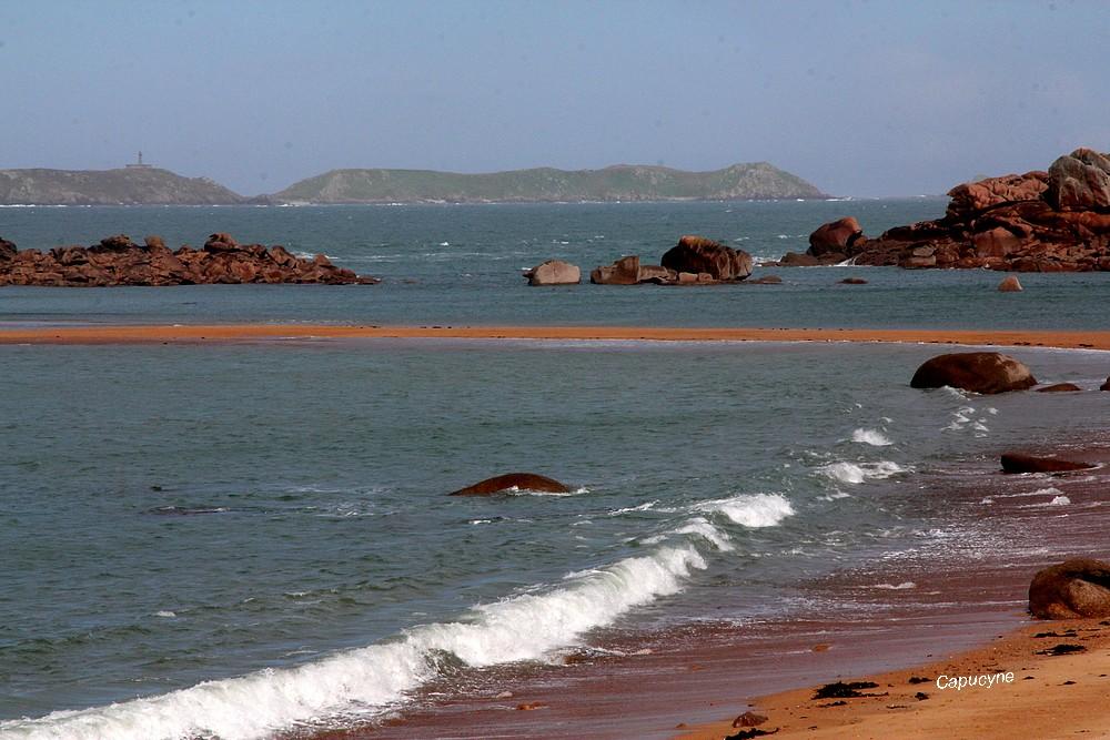 Rose et grise, la côte de granit...rose...