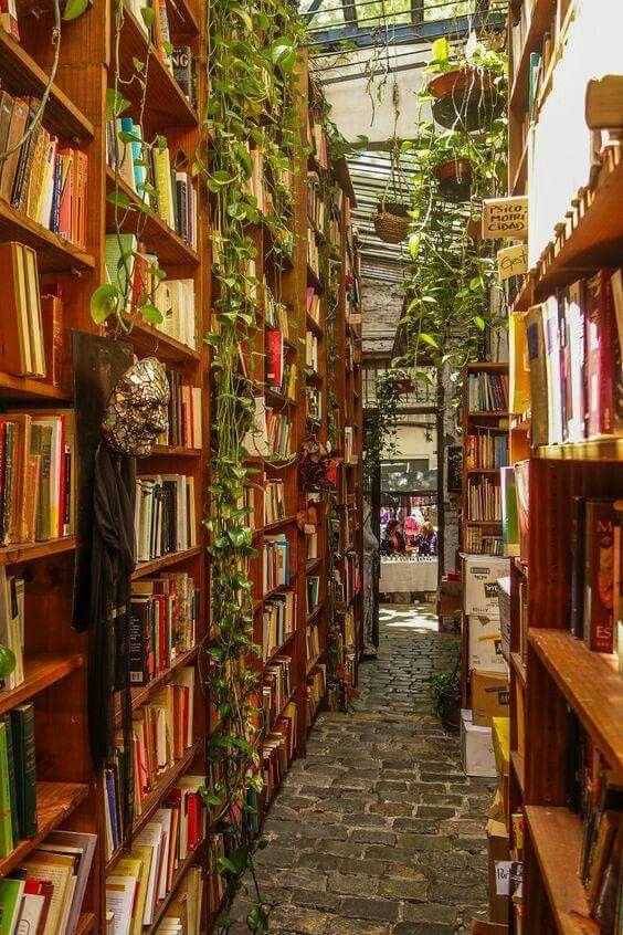 """Librairie à Montevideo. Uruguay."":"