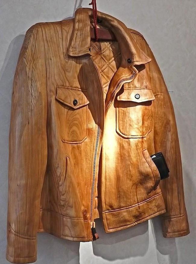 Un perfecto, sculpté en bois massif..