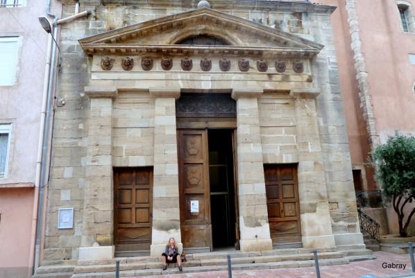 m06 - Entrée église