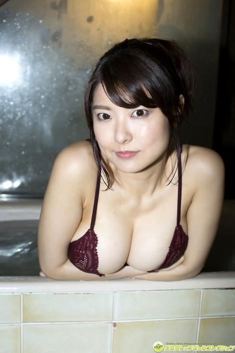 WEB Gravure : ( [DGC] - | 2017.07 | Miri Hanai/花井美理 : パーフェクト・ボディを誇る爆乳グラドル! )