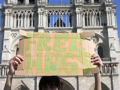 free-hugs--calins-gratuits.jpg