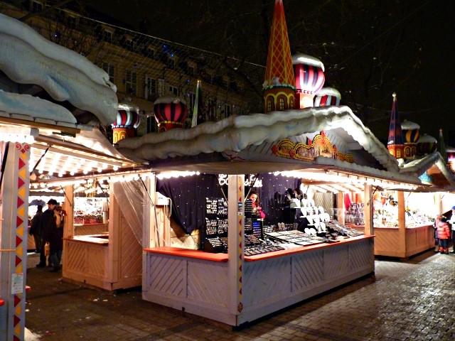 Marchés de Noël 11 Grand chalet de Noël mp1357 2010