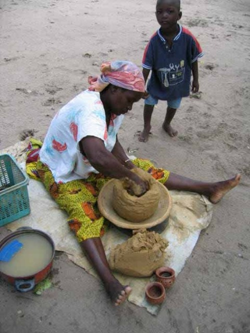 Etape par étape la fabrication de la poterie
