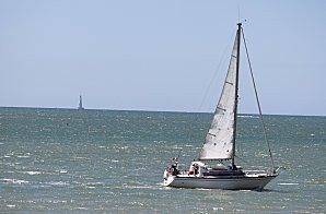 voilier dans l'estuaire-9-