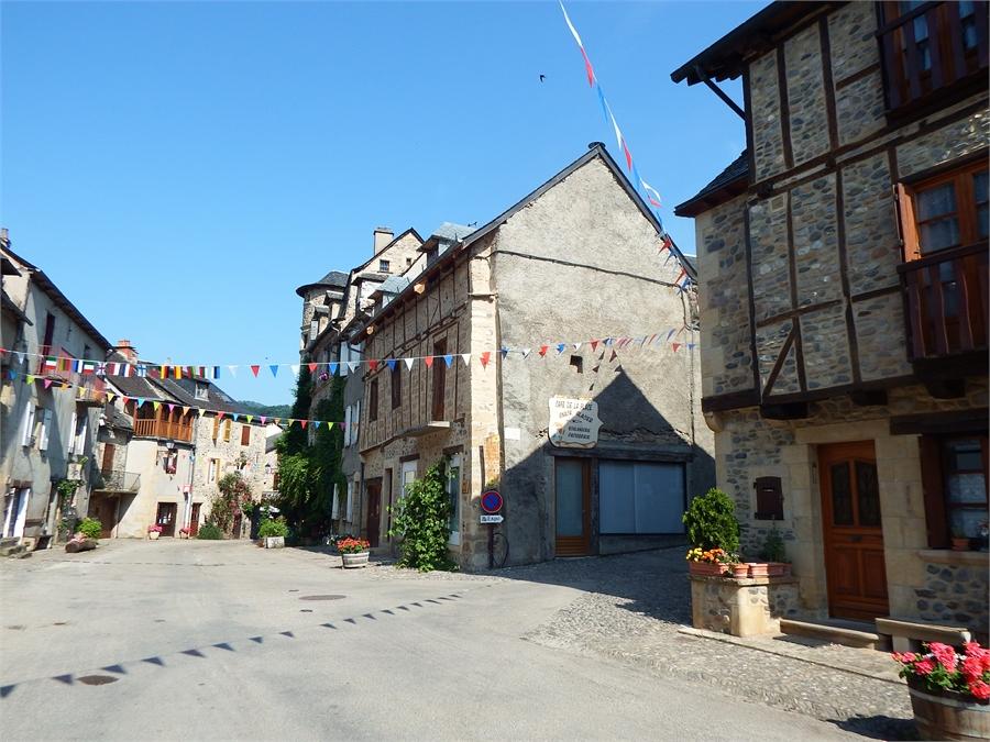 Saint Eulalie d'Olt en Aveyron