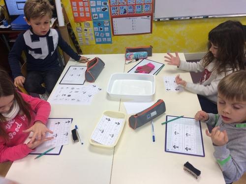 défi mathématiques : les CP sont devenus les shérifs de la soustraction !!
