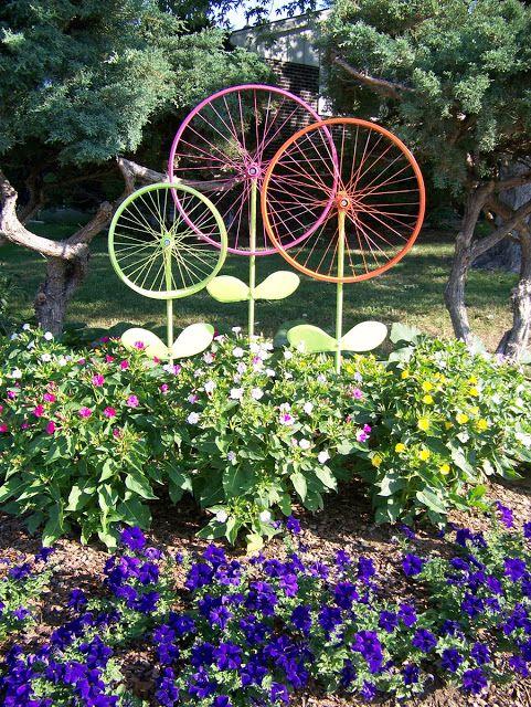 Des épouvantails créatifs ou des #idees #deco #jardin Monmagasingeneral.com en a tout un stock !: