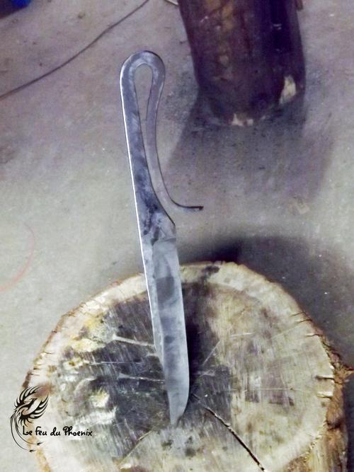 couteau de camp brut de forge