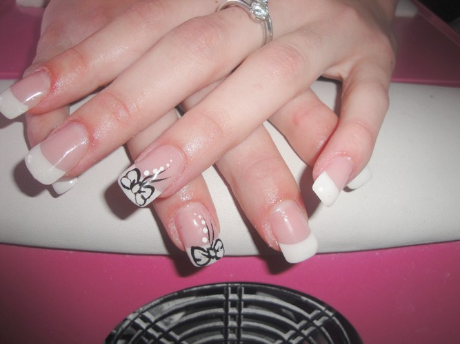Nail art noeud