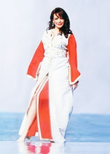takchita rouge et blanc style caftan bicolore haute couture pour mariage avec prix pas cher takchita 2015TAK-S845