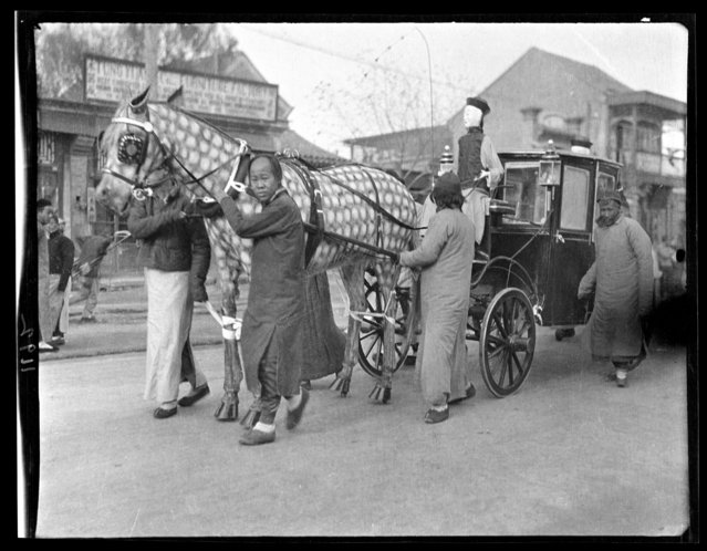 Funeral Set, Paper Horse & Carriage. China, Beijing, 1917-1919. (Photo by Sidney David Gamble)