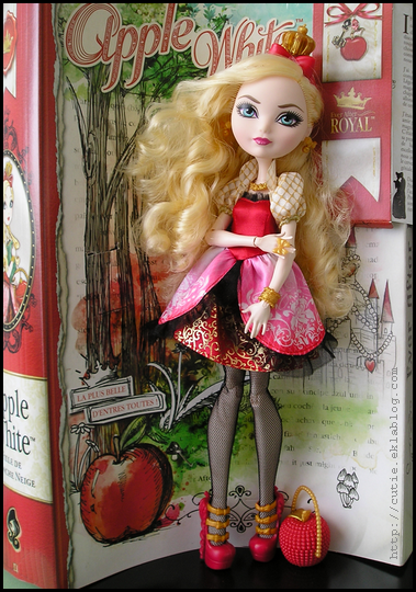 Ever After High Royals Apple White