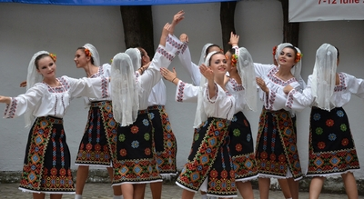 dance ballet folklore romanian dancers