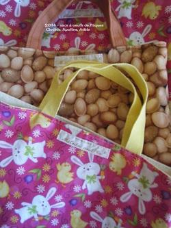 Des sacs pour récolter les oeufs de Pâques