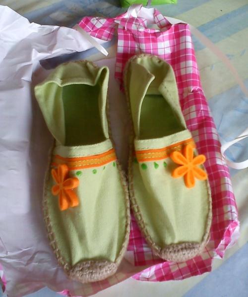 • Des pantoufles pour Mamy