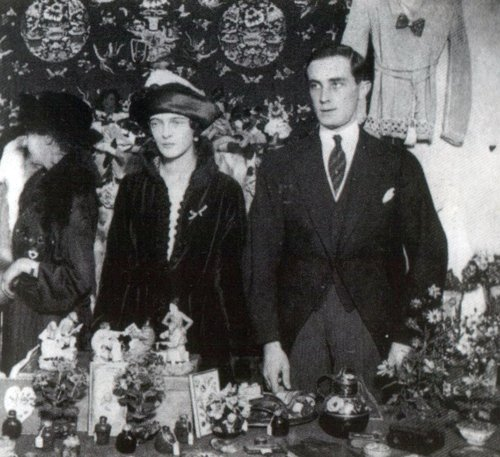 lostsplendor:  fuckyeahromanovs:  Prince Felix Yusupov and his wife Grand Duchess Irina Alexandrovna (via attackofthezeppelins)  (via akhlys-deactivated20100703)  (via lostsplendor)