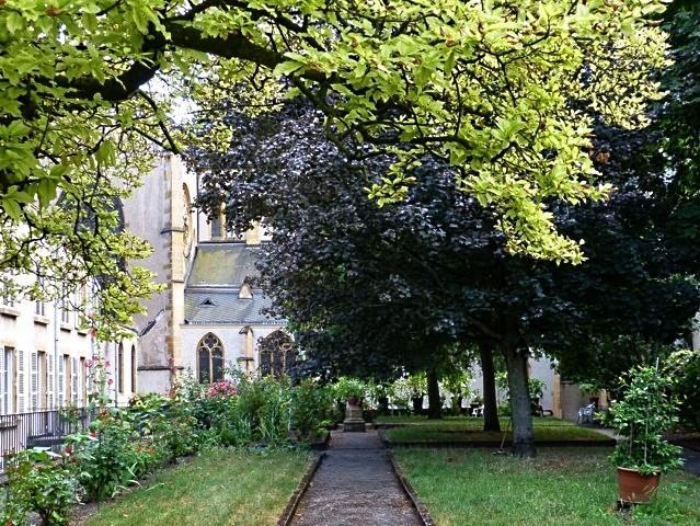 Jardin de curé église Saint-Martin Metz 2011 - 27