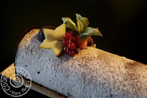 Bûche Chocolat, crème brûlée et croustillant praliné