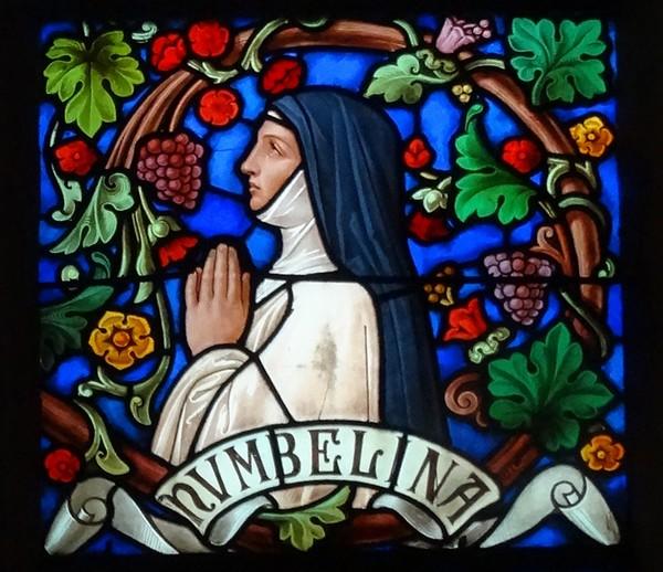 Des vitraux représentant saint Bernard et sa famille ...