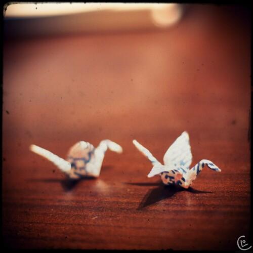 Boules d'oreilles : des mini grues en origami