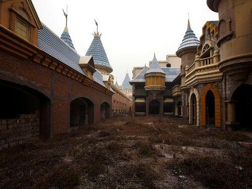 Le faux Disneyland chinois en ruine