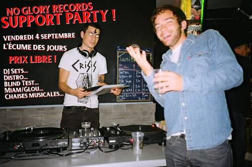 51. No Glory Reccords Support Party